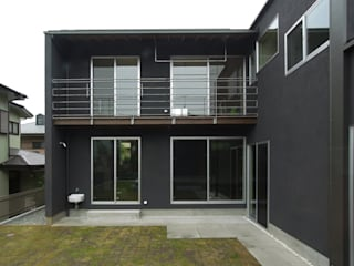 DROP ON LEAF モダンな 家 の 充総合計画 一級建築士事務所 モダン