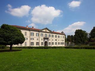Villa Raimondi - Fondazione Minoprio Complesso d'uffici in stile classico di Studio Gerosa Classico