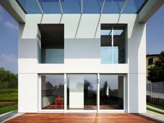Casa LP: Case in stile in stile Moderno di Studio Gerosa