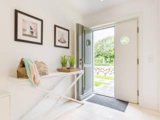 Home Staging Reetdachhaus auf Sylt:  Flur & Diele von Immofoto-Sylt