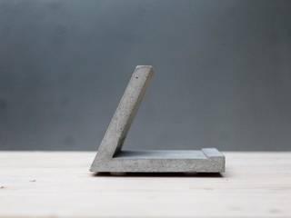 standtab | betonTABLETHALTER: modern  von betonIDEE,Modern