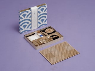 Karakami Kit – woodblock printer from the Japanese crafts:  in stile  di Jacopo Drago