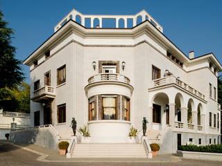 Klassische Häuser von Studio Architettura Carlo Ceresoli Klassisch