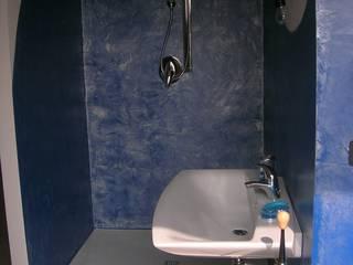Superfici continue ecocompatibili: Bagno in stile in stile Minimalista di progresurface