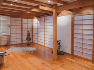 SHOJI japanische Schiebeelmente. Raumteiler und Raumgestalter Asiatische Wohnzimmer von Alignum Möbelbau Asiatisch