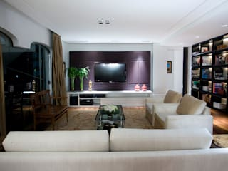 Living room by Asenne Arquitetura,