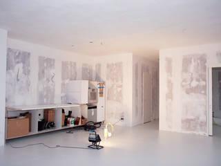 Stucadoor voor glad en strak stucwerk :   door WandenPlafondSpuiten.nl | latex spuiten | spack spuiten | stucwerk