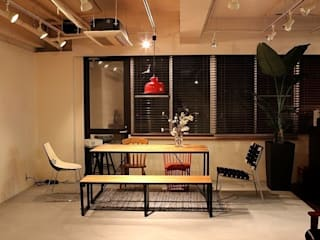 Yunhee Choe اتاق کار و مطالعهمیزهای تحریر چوب Wood effect