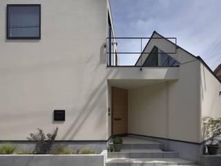 Casas estilo moderno: ideas, arquitectura e imágenes de 林泰介建築研究所 Moderno