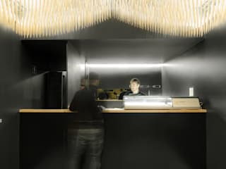 Asian style gastronomy by PAULO MERLINI ARCHITECTS Asian