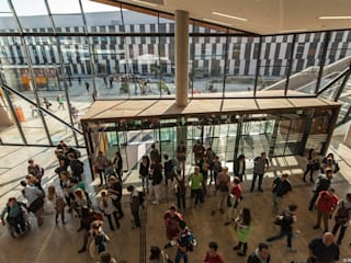 Kontinuität fliessender Campus:  Schulen von BUSarchitektur