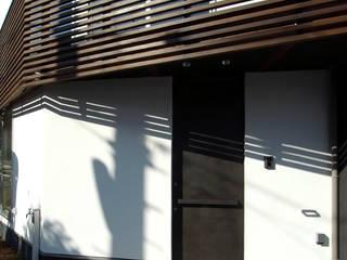 Fenêtres de style  par 充総合計画 一級建築士事務所, Moderne
