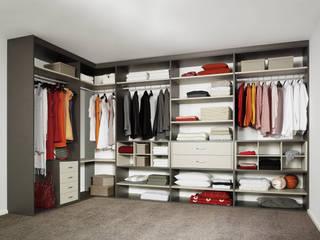 CARE MOBILIARIO MADRID,S.L. Modern Giyinme Odası
