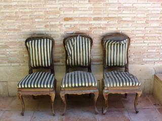 4 sillas isabelinas originales  encontradas en un viejo trastero:  de estilo  de Dominique Restauración