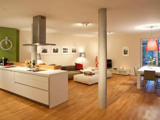 Modern living room by AAB Die Raumkultur GmbH & Co. KG Modern