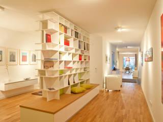 Modern Corridor, Hallway and Staircase by AAB Die Raumkultur GmbH & Co. KG Modern