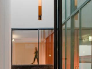 Casa Jarego: Casas modernas por CVDB Arquitectos