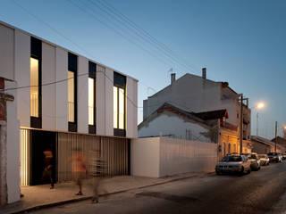 Casa Jarego Casas de banho modernas por CVDB Arquitectos Moderno