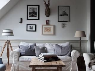 Scandinavian style living room by Studio Inaczej Scandinavian