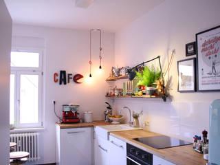 Küche mit Industriebeleuchtung:  Küche von JØLG Industrielampen