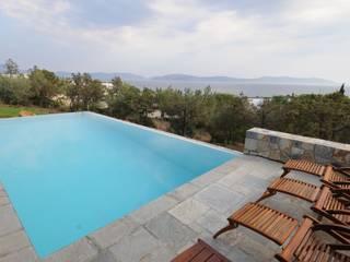 Dettaglio della piscina Piscina in stile mediterraneo di CARLO CHIAPPANI interior designer Mediterraneo