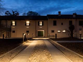 Verso sera: Sedi per eventi in stile  di Paolo Coretti, architetto
