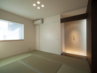 Salas multimedia de estilo moderno de 一級建築士事務所 想建築工房 Moderno