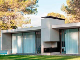 Maison contemporaine: Maisons de style de style Moderne par Inter-Faces