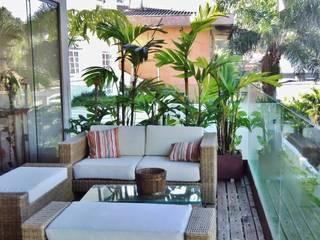 Terrazas de estilo  por Kika Prata Arquitetura e Interiores., Tropical