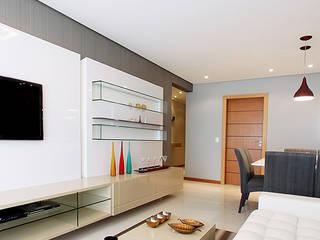 projeto  CM  Salas de estar modernas por Camila Bruzamolin - arquitetura Moderno
