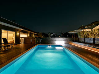 The Live Oak Place | ML豪邸建築特集225号掲載 モダンな庭 の Mアーキテクツ|高級邸宅 豪邸 注文住宅 別荘建築 LUXURY HOUSES | M-architects モダン