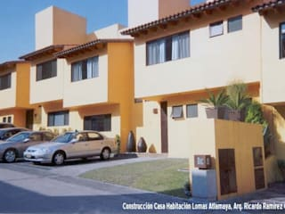 Fachada exterior: Casas de estilo moderno por Ramírez Cuesta Arquitectos