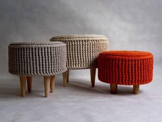 Pufa, ottoman, podnóżek , dziergana, szydełkowana model PARIS od RENATA NEKRASZ art & design Skandynawski