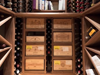Wine Cellar in American black walnut designed and made by Tim Wood Klassieke wijnkelders van Tim Wood Limited Klassiek