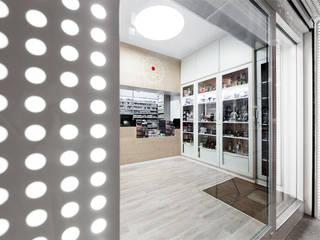 Espacios comerciales de estilo  por Nan Arquitectos, Minimalista