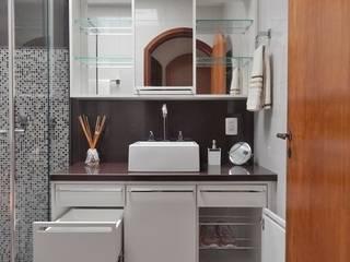 Ванные комнаты в . Автор – Ambientta Arquitetura, Эклектичный