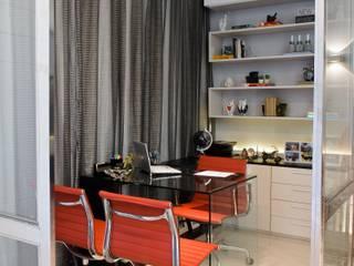 Oficinas de estilo moderno de RODRIGO FONSECA | ARQUITETURA E INTERIORES Moderno