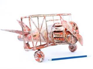 Tin Toy Bi-plane Aeroplane Vintage Archive 室內景觀