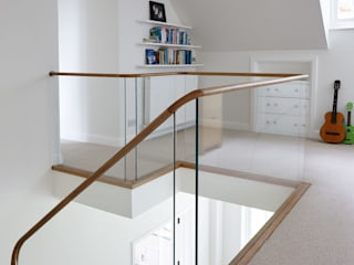 Coastal Staircase Renovation 4109 Bisca Staircases Balcone, Veranda & Terrazza in stile classico