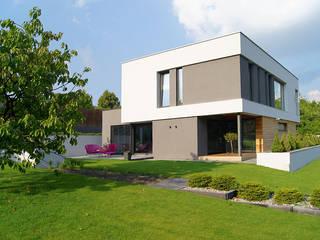 Dom w Gorzowie: styl , w kategorii Domy zaprojektowany przez STRUKTURA Łukasz Lewandowski