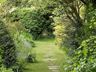 Large Family Garden, West Sussex Rebecca Smith Garden Design Jardines rurales