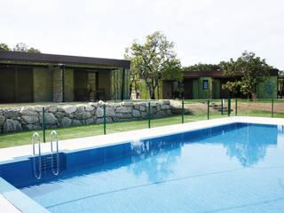 Vista exterior: Casas de estilo  de MODULAR HOME