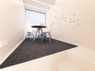 Mensch + Raum Interior Design & Möbel Oficinas y tiendas de estilo moderno