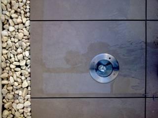 Casa GV Paredes y suelos de estilo moderno de 2G.arquitectos Moderno