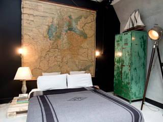 Dormitorios eclécticos de BRICKS Studio Ecléctico