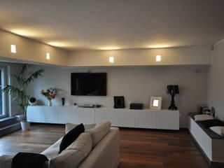 Appartamento privato in complesso residenziale - Colle Romano (RM) Soggiorno moderno di Improver Studio Moderno