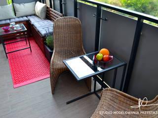 Moderne gangen, hallen & trappenhuizen van Studio Modelowania Przestrzeni Modern