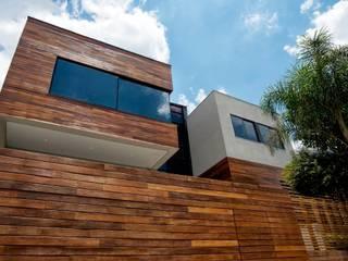 Casas modernas de Elmor Arquitetura Moderno