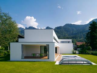 Modern houses by Baumschlager Hutter ZT GmbH Modern