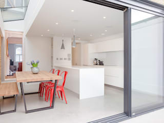 Another Brick in the Wall, 2015 TAS Architects Minimalist kitchen